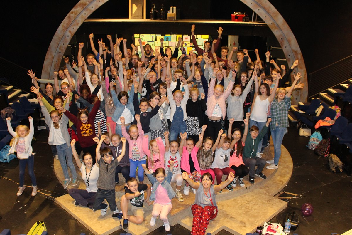 Bringing \'The Railway Children\' to life with 100 young people ...