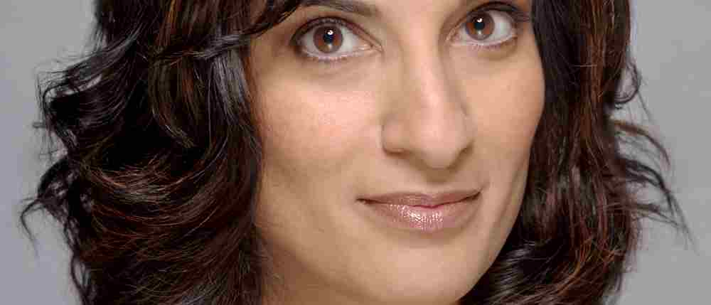 Mina Anwar to Star in New Production of Shirley Valentine