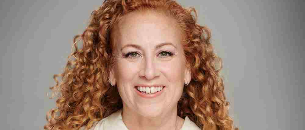 Bestselling author Jodi Picoult supports the Octagon Theatre
